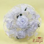 Булчински букет от сатенени рози и лилиуми